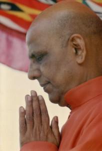12--Praying-Bapuji